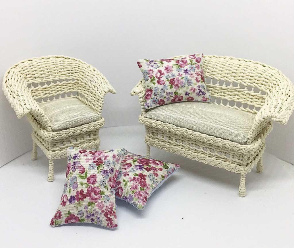 плетеные кресла