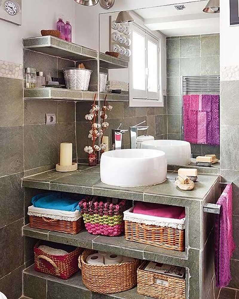 плетеная корзина в ванной