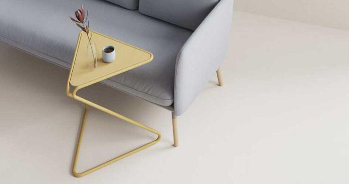 Эргономичный комплект офисной мебели из стола и стула
