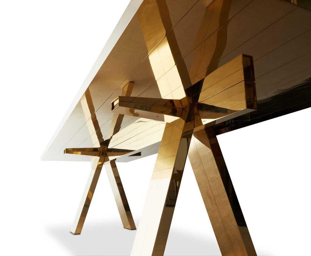 стол от Тома Диксона