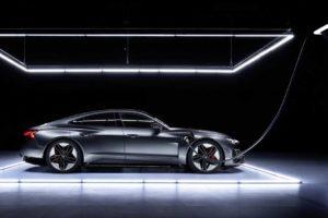 Уверенное электробудущее от Audi